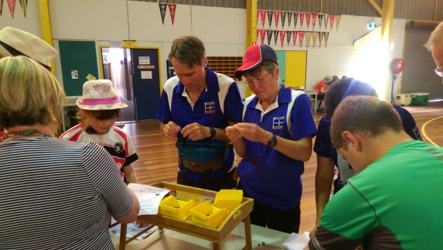 aMAZEing Ballarat - Bead Spider making - the Lawfords in focus...