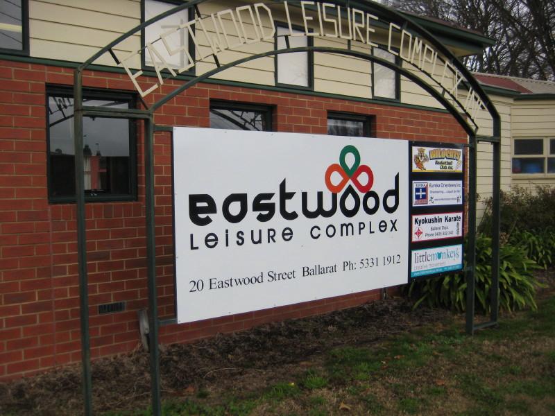 Eastwood Leisure Complex 22 Jun 2011