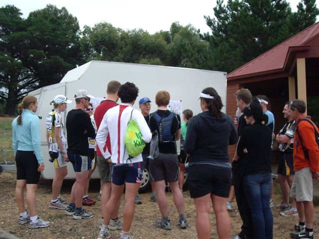 Silva DuO 26 Jan 2010 - Mark V giving the briefing